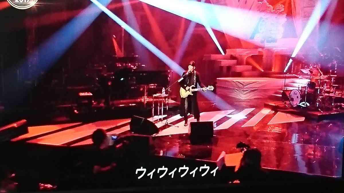 長渕剛、新曲『BLACK TRAIN』を生披露 綾小路翔が感情移入「ウイウイウイウイ!」