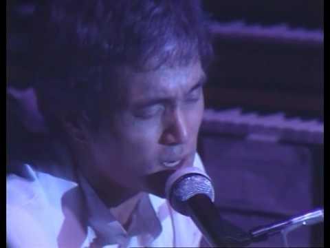オフコース  武道館 1982・6・30 小田和正 神の声 - YouTube