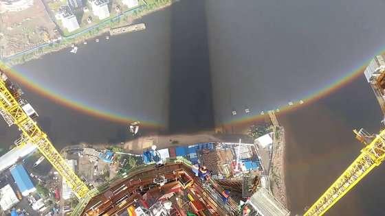 世にも珍しい「全円の虹」がロシアで撮影される