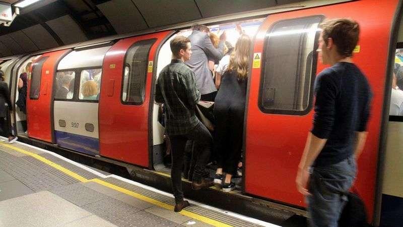 英国地下鉄、日本と違う「痴漢冤罪」への対応 | 海外 | 東洋経済オンライン | 経済ニュースの新基準
