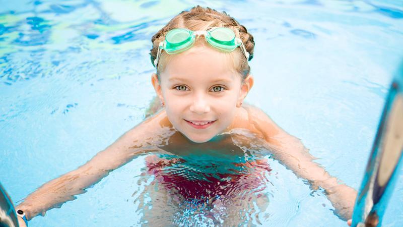 【悲報】プールで目が赤くなる原因は塩素ではなく、誰かの「おしっこ」だったことが判明 : ユルクヤル、外国人から見た世界