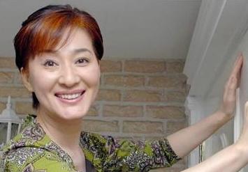 松居一代が上沼恵美子を訴えるとブログで報告!提訴するきっかけとなったモーテル事件の真相とは?「私はズタズタに傷つけられました」と新たに報告し話題に | ENDIA[エンディア]