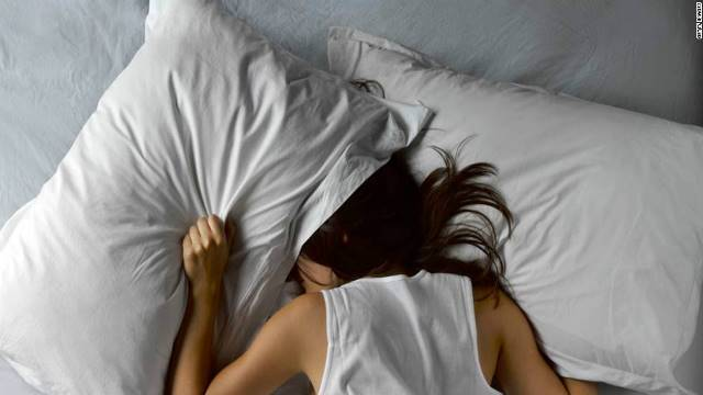 睡眠障害、アルツハイマー引き起こす要因か 米研究