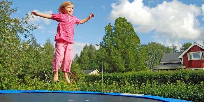 家庭用トランポリンによる子供のけがは大人の14倍!!危険な遊具なので使用をやめるよう勧告【米小児科学会】