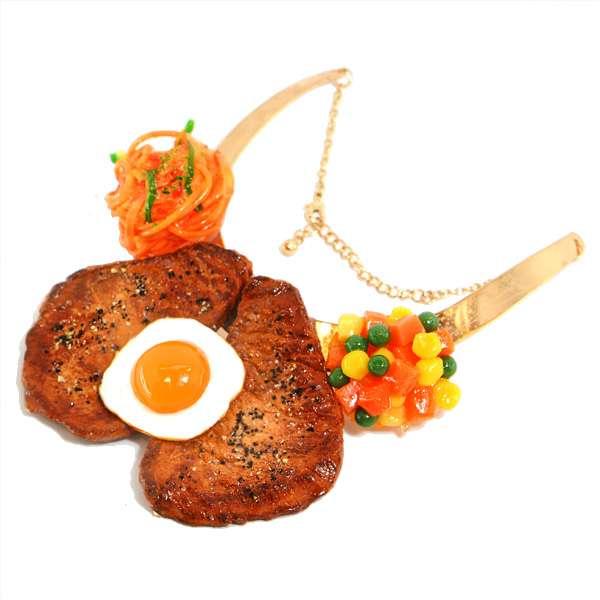 【食品サンプル】ミニ目玉焼きステーキのネックレス【アクセサリー】