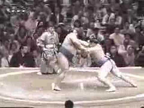 朝青龍 vs. 貴乃花 (1) - YouTube