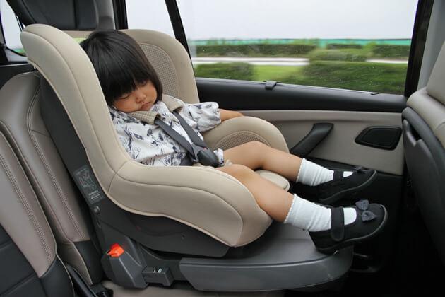やってませんか?「助手席チャイルドシート」…子供を守るはずが逆に危険 (オートックワン) - Yahoo!ニュース
