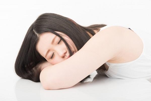 一晩寝ても疲れ取れず 働く女性の6割が「過緊張」状態にあることが判明