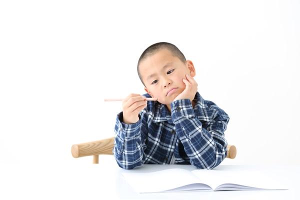 集中力のある子とない子ではいったい何が違う?   わが子の集中力が続かない   ママの知りたいが集まるアンテナ「ママテナ」