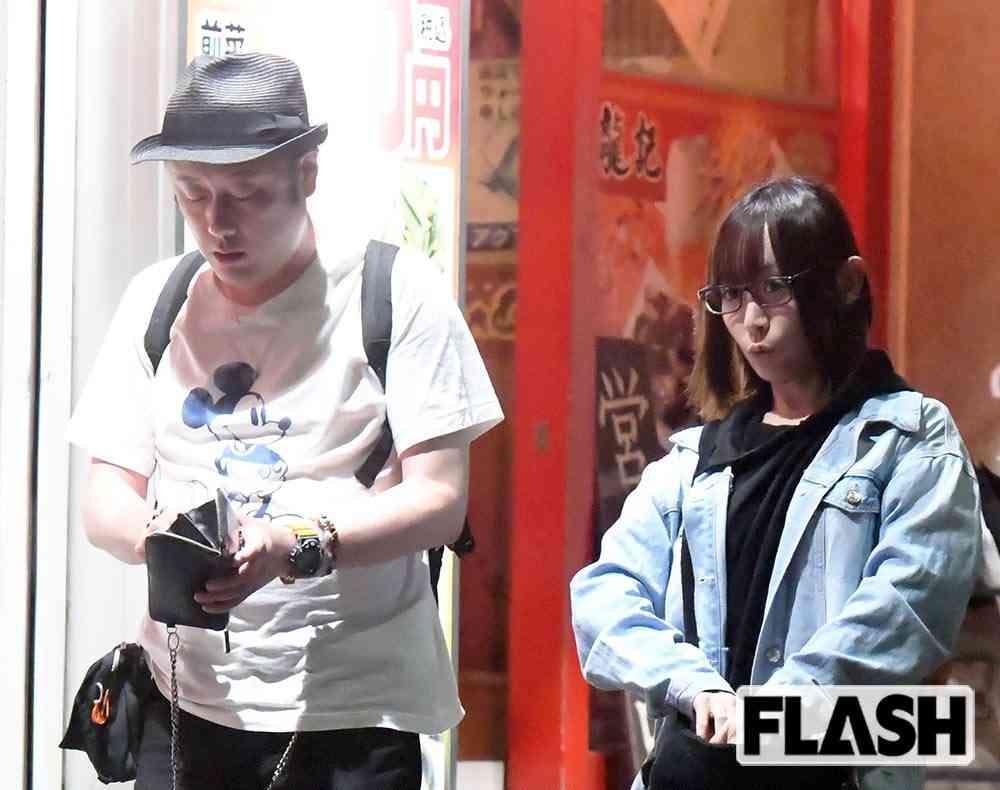コウメ太夫「アイドル女子レスラー」加藤悠と中華デート (SmartFLASH) - Yahoo!ニュース