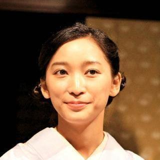 (ごちそうさんの注目点の一つ?)着物女性の画像集(着物は日本人女性を1.5倍は美しく見せる) - NAVER まとめ