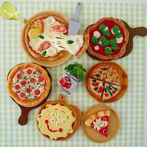 色んなピザが集まるトピ