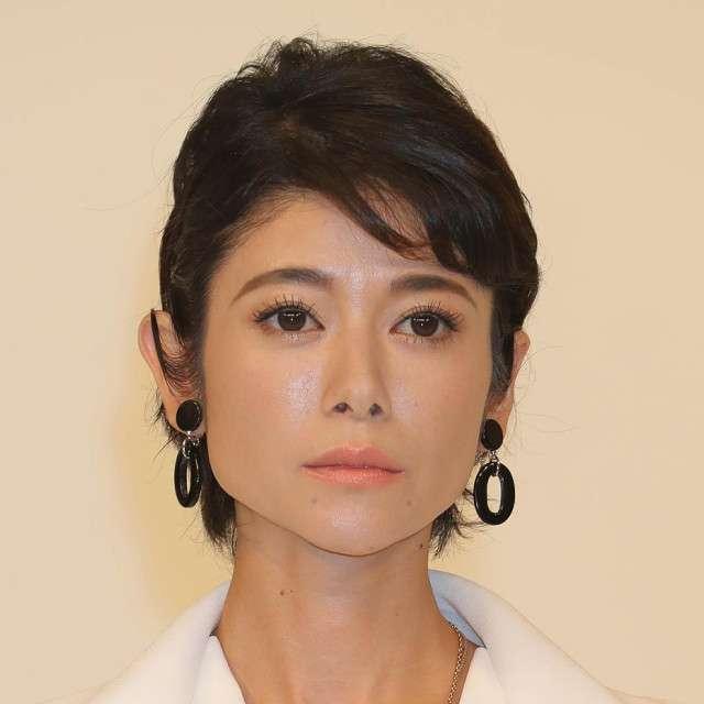 真木よう子、「セシルのもくろみ」打ち切り危機の記事貼り付け「向かい風上等よ!」 : スポーツ報知