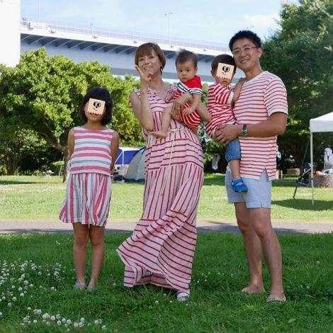 「また妊娠?」「娘が不憫」hitomiがブログで紹介した家族写真が話題
