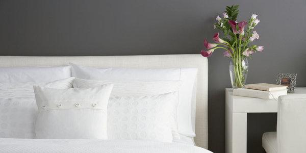 【ELLE DECOR】枕カバーを交換すべき頻度のベストアンサー|エル・オンライン