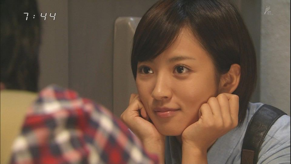 夏菜、金髪ロングヘア姿に驚きの声続出「誰かと思った!」