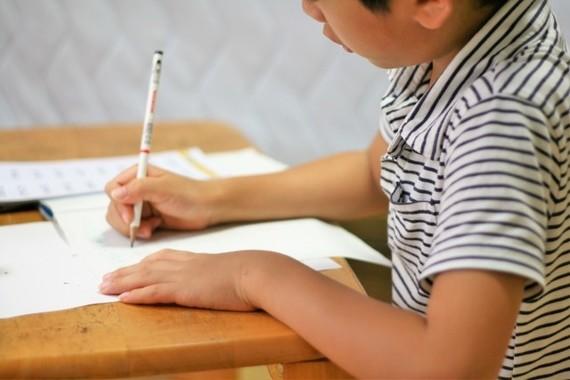 「ZERO」村尾信尚キャスターは「神様だ!」 「夏休みは宿題要らない」発言に子供たちが歓喜