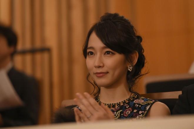 吉岡里帆の自己分析「役者として華がない。脇役の役割を担うことで勝負」 | ORICON NEWS