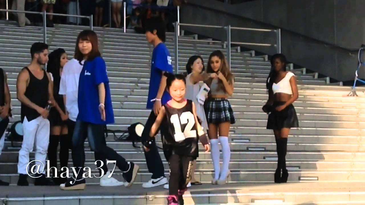 FLASH MOB in Japan -ArianaGrande- - YouTube