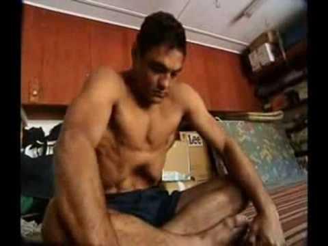 Rickson Gracie Ginastica/Yoga - YouTube