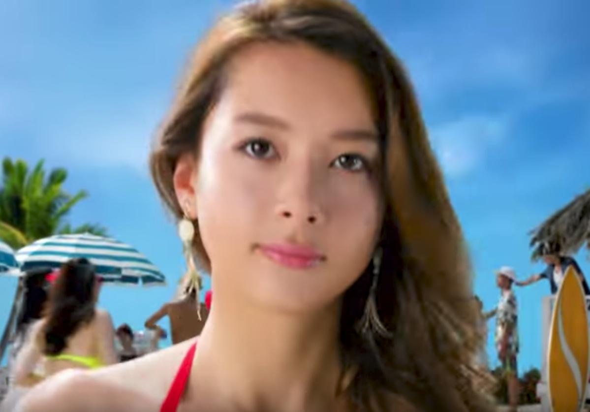 モンスト(夏の極み)CMの女の子は誰?赤い水着姿の女性モデルがかわいい!   Keep It Fun. BLUELEAP BLOG