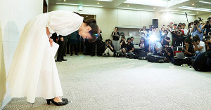 斉藤由貴の服装に見えた「魔性」 カメラマンが感じた「不自然さ」とは