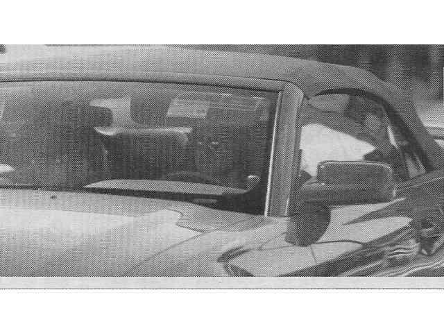 米倉涼子 交際中の岡本健一とお揃いの愛車マスタングでデート