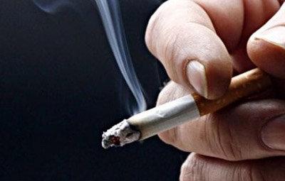 喫煙室設置の飲食店に助成、国が工事費半額負担