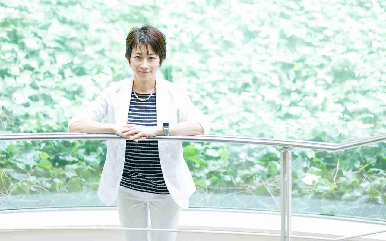 私が菅官房長官に「大きな声」で質問する理由 東京新聞・望月衣塑子記者インタビュー#1 | 文春オンライン