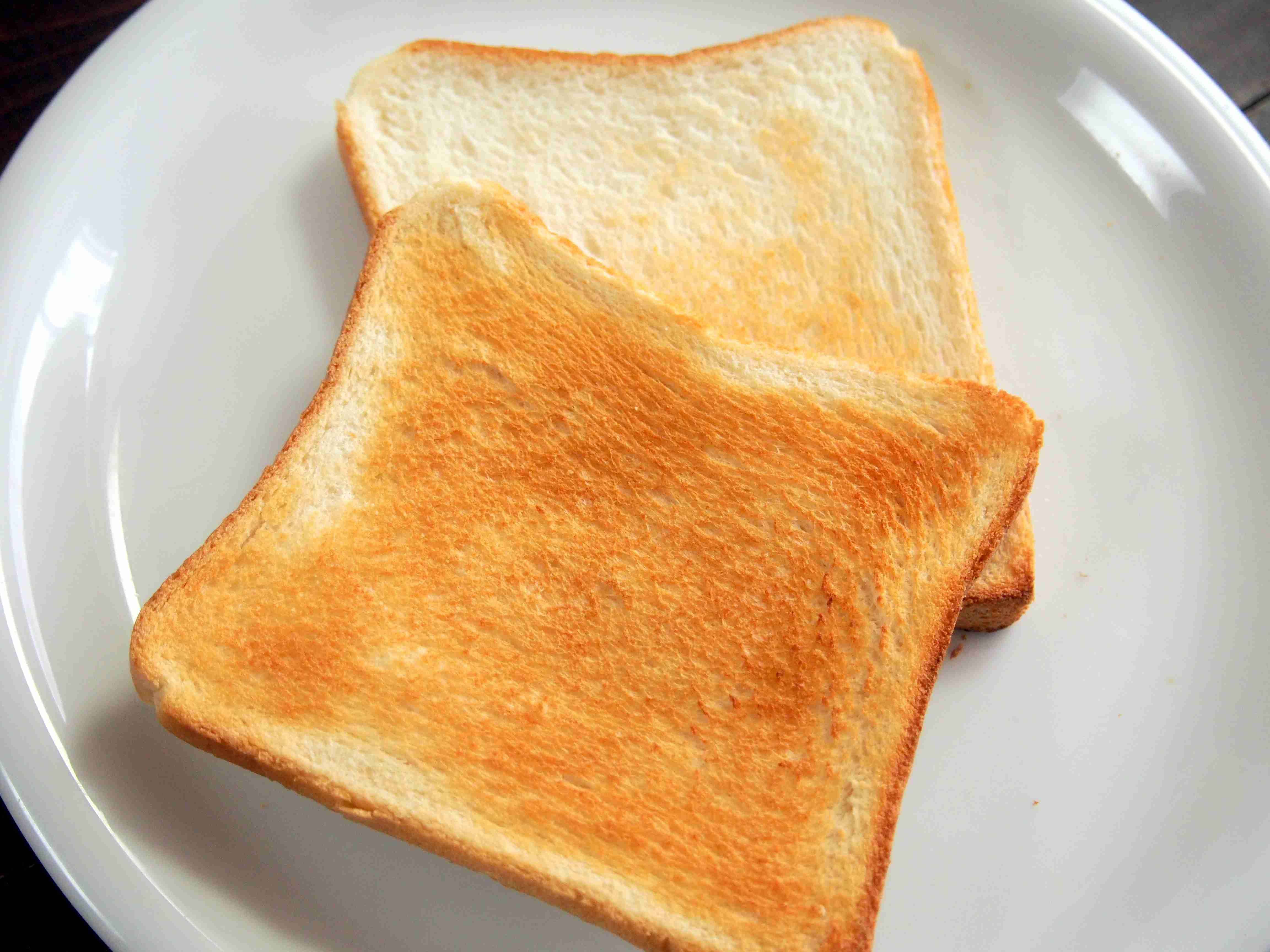 最近の食パンのもちもち加減をどう思いますか?