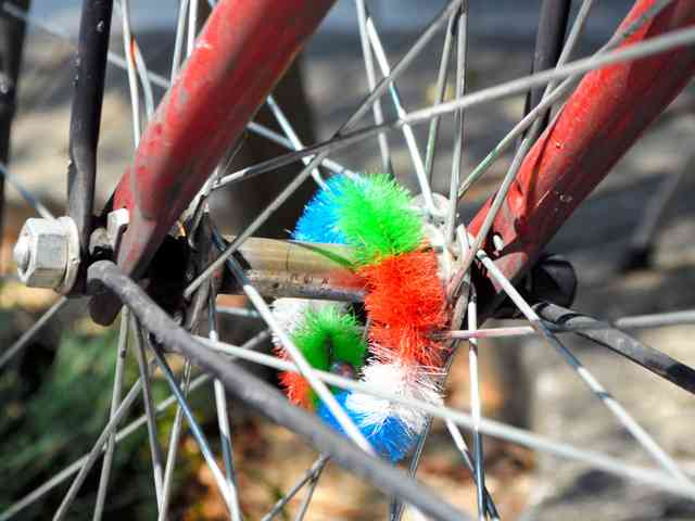 自転車の「ハブ毛」消えゆく「材料がなくなったら…あと3年くらいでしょうか」