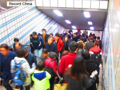 列車のドアが閉まらなくても運行 韓国ソウル地下鉄に批判の声 - ライブドアニュース