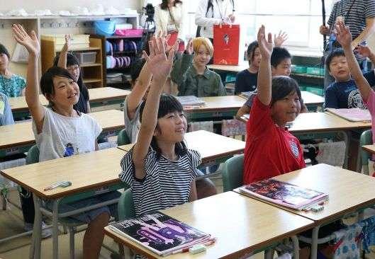 「プール楽しかった」 小学校、笑顔で始業式:どうしん電子版(北海道新聞)