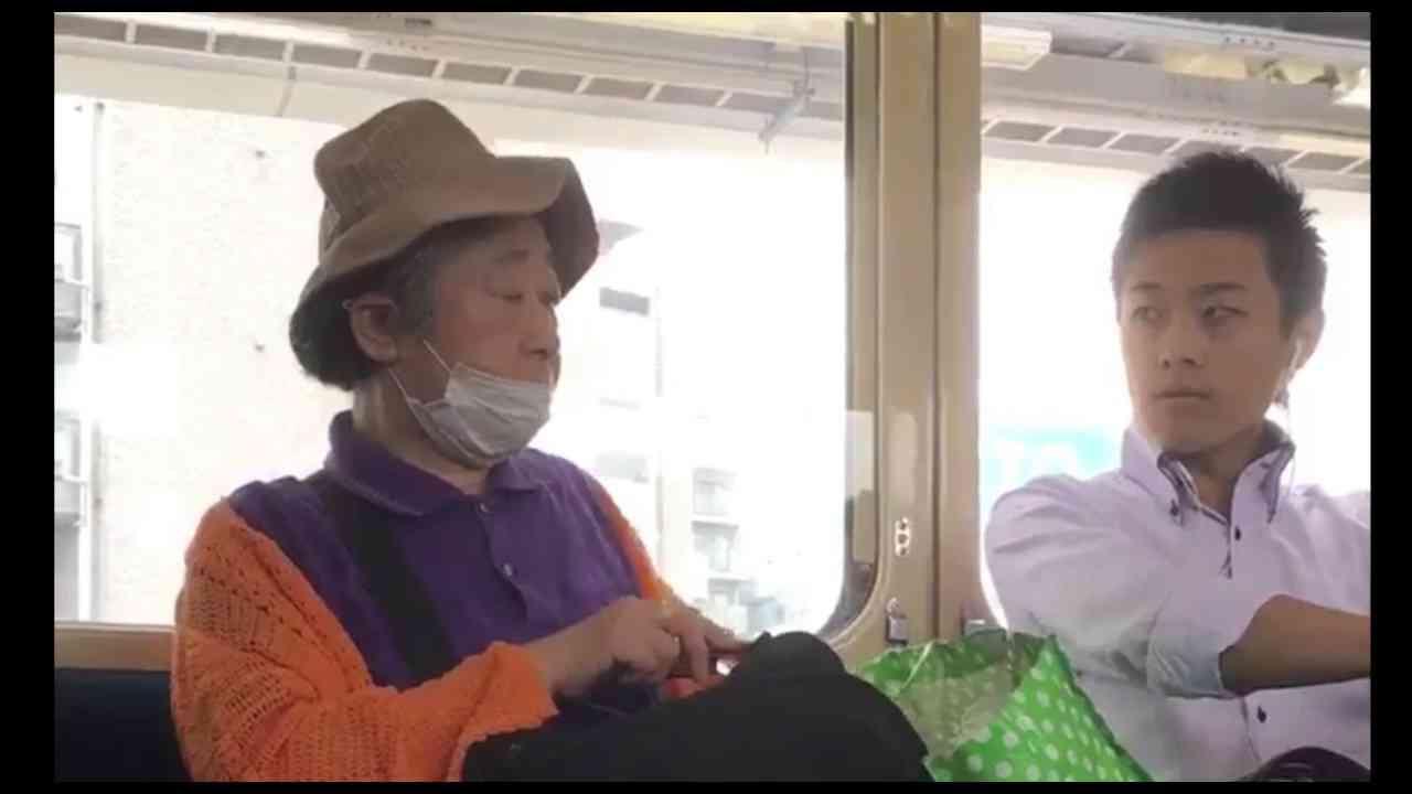 【老害】キチガイおばさんは電車を占拠したいようです【迷惑】 - YouTube