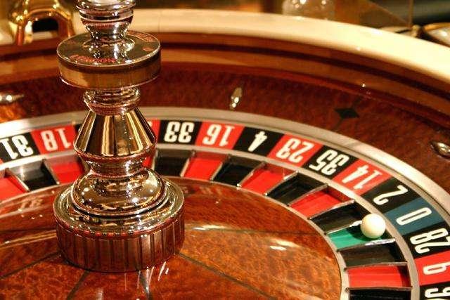 カジノ、日本人は現金のみ、入場料を取りマイナンバーカードで本人確認、入場回数を制限…依存症対策大枠