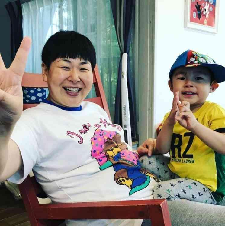 """鈴木おさむの2歳息子、初めて覚えた芸能人は""""ヒカキン"""" 「青鬼」ゲームにどハマり中"""