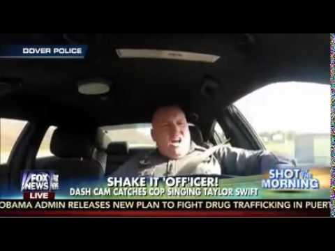 パトカー乗務中の警官がノリノリダンス! Dover Police Officer singing Shake it Off by Taylor Swift VIDEO - YouTube