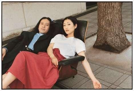 ピース・又吉直樹が雑誌の初編集長 相方・綾部祐二とグラビアも披露