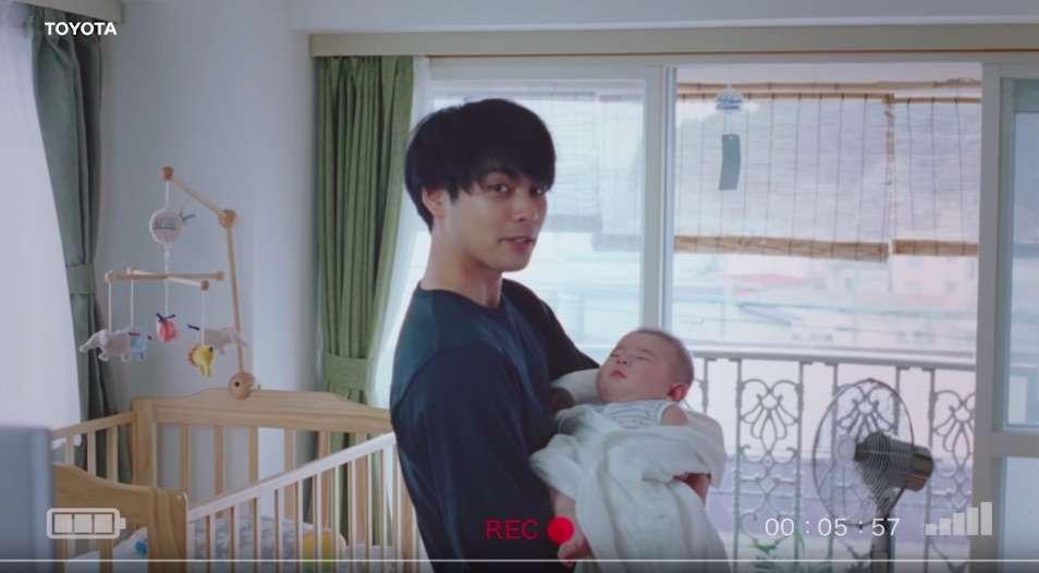 柳楽優弥がパパ役で出演するCM動画に大絶賛の声 / 「完全に父の顔。優しい声。泣いちゃう」「ちょうど小1の息子がいてドンズバ過ぎて涙出た」 | Pouch[ポーチ]