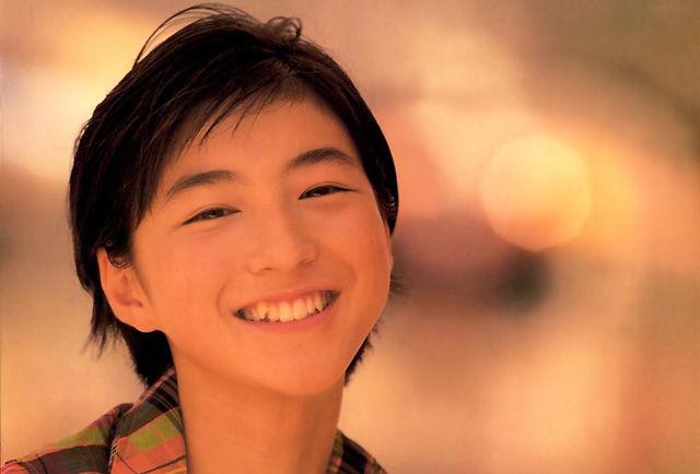 広末涼子、10年ぶりのジャケ写!「背中を押される応援歌がたくさん」