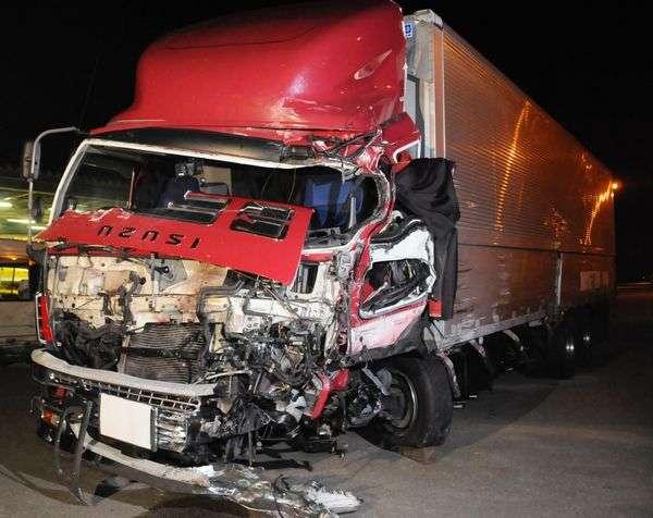 徳島道16人死傷 容疑者「前見てなかった」 運送会社社長は謝罪も運転手の対応を批判