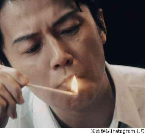 葉巻吸う福山雅治に「渋すぎ」「色気ヤバい」 | Narinari.com