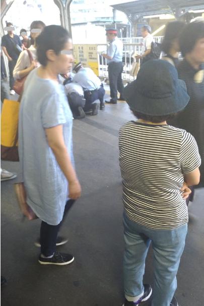 ハンマーを持った男が駅員に取り押さえられたとの情報 京橋駅