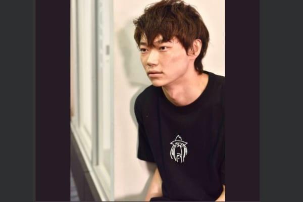 『ウチの夫』出演俳優が綾野剛に似てると話題 現場では「キノコイジり」も – しらべぇ | 気になるアレを大調査ニュース!