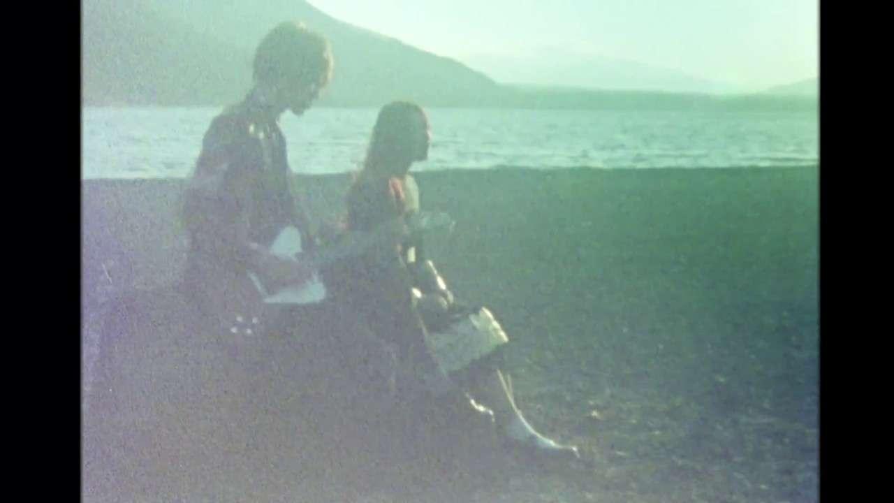GLIM SPANKY - 「美しい棘」Music Video(Short ver.) - YouTube