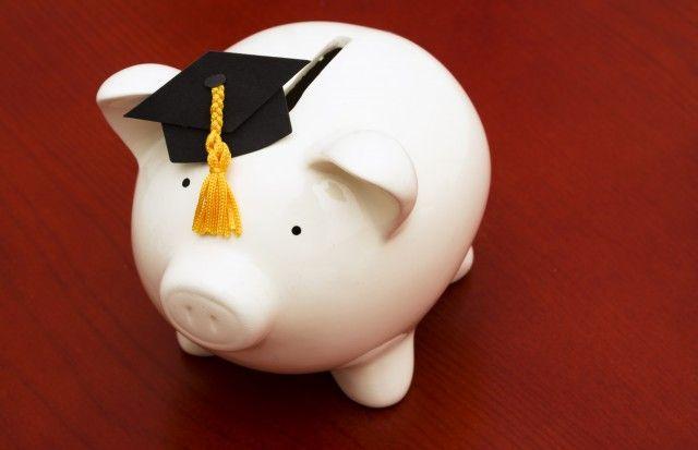 返済不要の給付型奨学金、6月にも支給開始 改正法成立