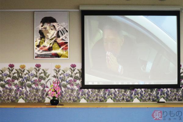 日本初「ドライブスルー葬儀場」2017年内登場 葬儀の「簡素化」が求められるワケ