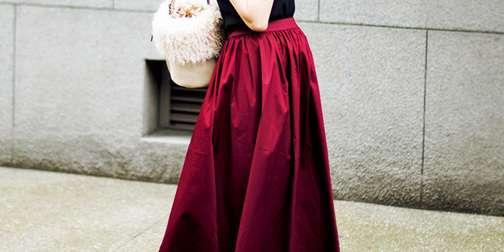 ユニクロ〝高見え力がスゴい〟フレアはバリエ豊富!華やかさが圧倒的な人気スカート3選 | andGIRL [アンドガール]