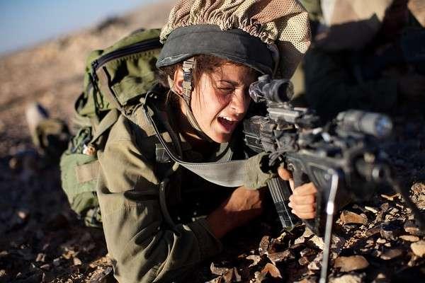 女性兵士の戦闘参加、各国の状況 | ナショナルジオグラフィック日本版サイト