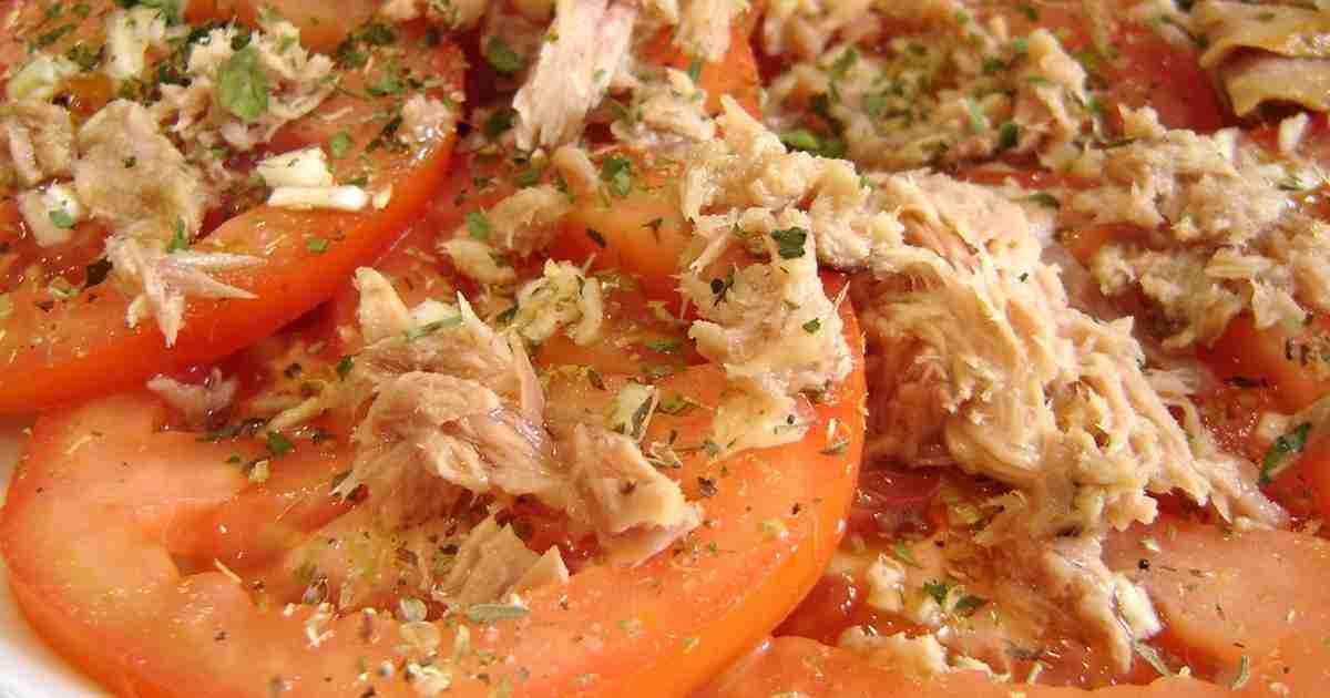 ツナとにんにくで!スタミナトマトサラダ by Spain [クックパッド] 簡単おいしいみんなのレシピが272万品
